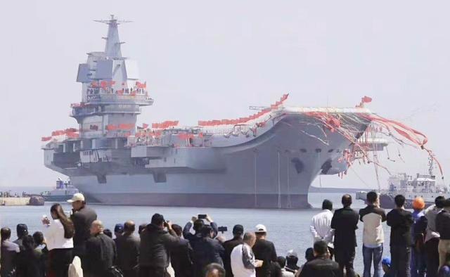 2019年12月17日,山东舰入列中国海军,双航母时代来临